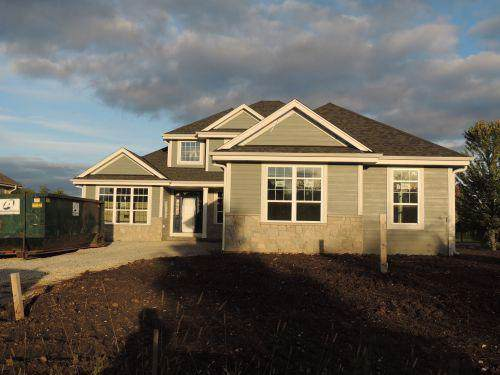 W196S8798 Windover Dr, Muskego, WI 53150 (#1625061) :: Tom Didier Real Estate Team