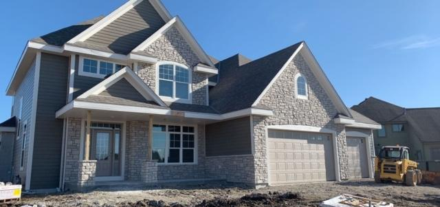 1635 Mohican Trl, Waukesha, WI 53189 (#1610937) :: Tom Didier Real Estate Team