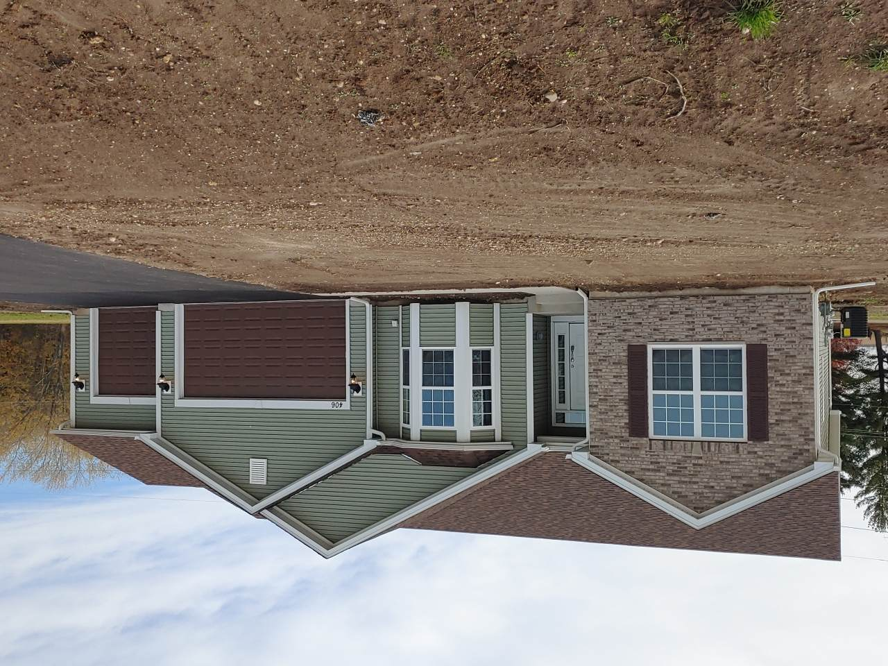 406 Chesterfield Ct - Photo 1