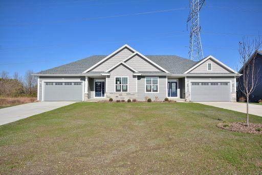 N62W21696 Augusta Pkwy, Menomonee Falls, WI 53051 (#1682990) :: RE/MAX Service First
