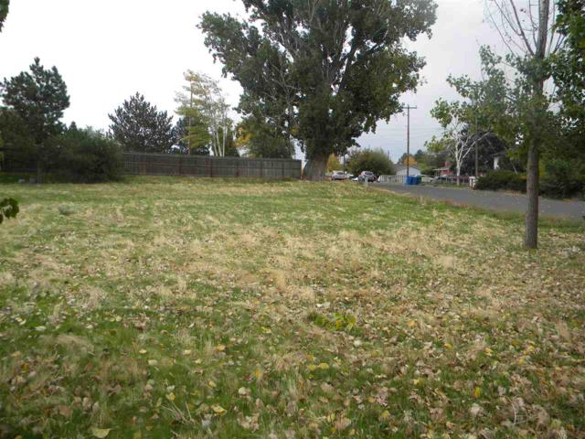 1907 E Shoup Avenue, Twin Falls, ID 83301 (MLS #114110) :: Team One Group Real Estate