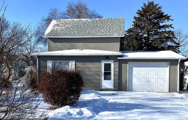 206 4th Ave SE, Mohall, ND 58761 (MLS #210247) :: Signal Realty