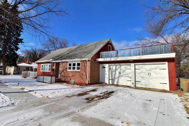 327 9TH AVE SE, Minot, ND 58701 (MLS #210312) :: Signal Realty