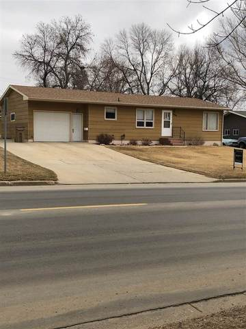 1904 8th St NW, Minot, ND 58703 (MLS #210569) :: Signal Realty