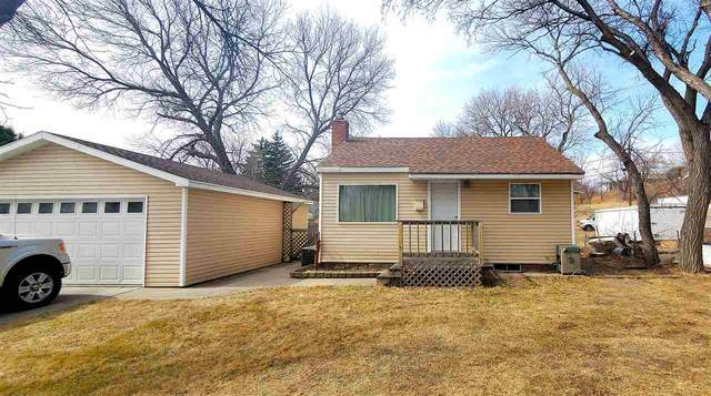 1111 15th St. NW, Minot, ND 58703 (MLS #210638) :: Signal Realty