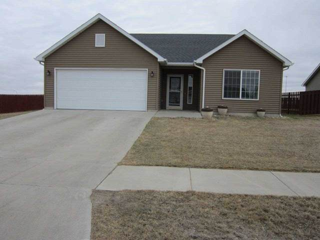 1925 24th St. SW, Minot, ND 58701 (MLS #210665) :: Signal Realty