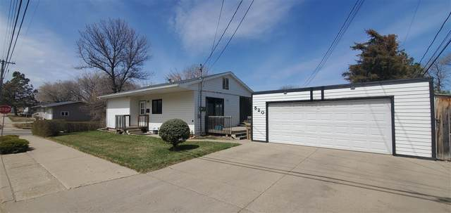 520 5th Ave SW, Minot, ND 58701 (MLS #210833) :: Signal Realty
