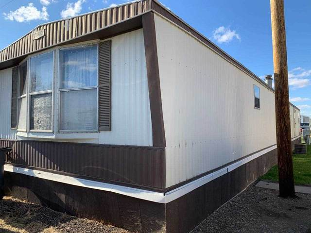 3100 11th Ave SE, Minot, ND 58701 (MLS #210854) :: Signal Realty