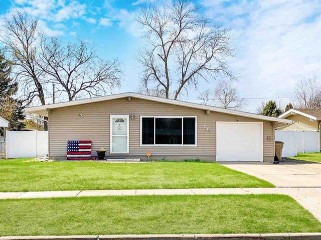 100 24th St. SW, Minot, ND 58701 (MLS #210888) :: Signal Realty