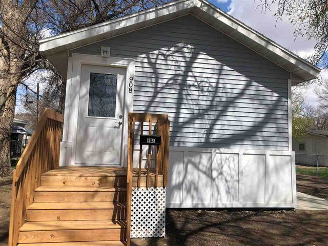 908 NW 7th Ave, Minot, ND 58703 (MLS #210890) :: Signal Realty