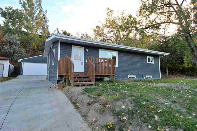 808 Arbor Ave, Minot, ND 58701 (MLS #210892) :: Signal Realty