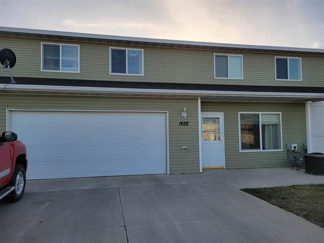 1628 35TH AVE SE, Minot, ND 58701 (MLS #210927) :: Signal Realty