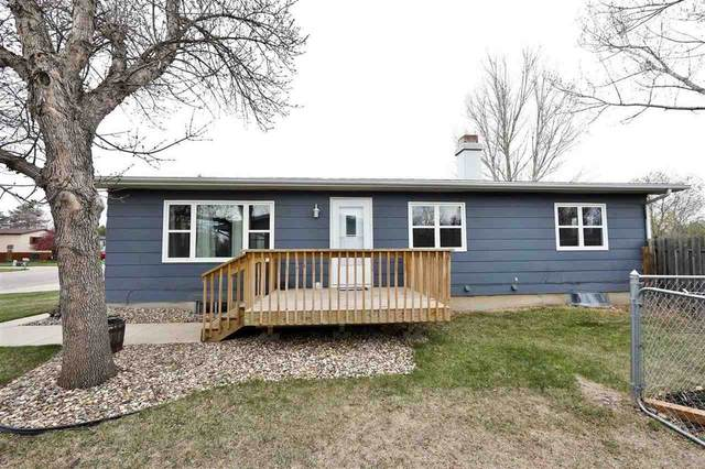 1412 Sunset Blvd, Minot, ND 58703 (MLS #210974) :: Signal Realty