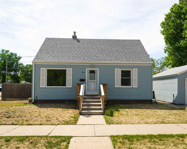 505 12th St NW, Minot, ND 58703 (MLS #211167) :: Signal Realty