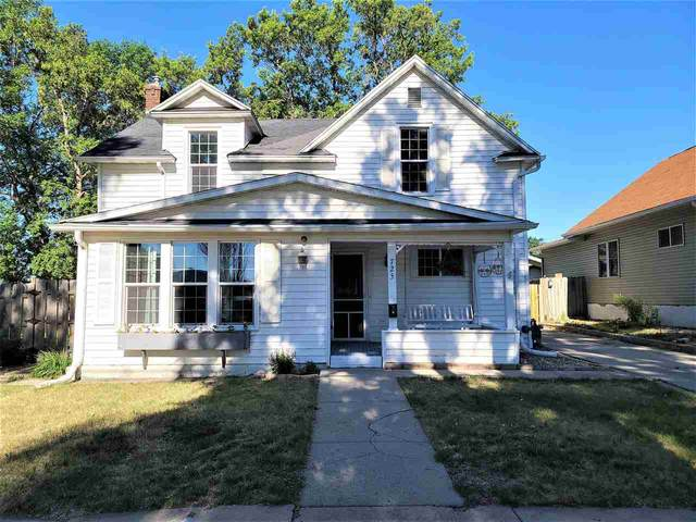 725 4th St NW, Minot, ND 58703 (MLS #211206) :: Signal Realty