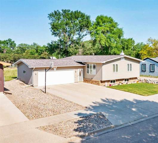 1450 7TH ST SW, Minot, ND 58701 (MLS #211241) :: Signal Realty