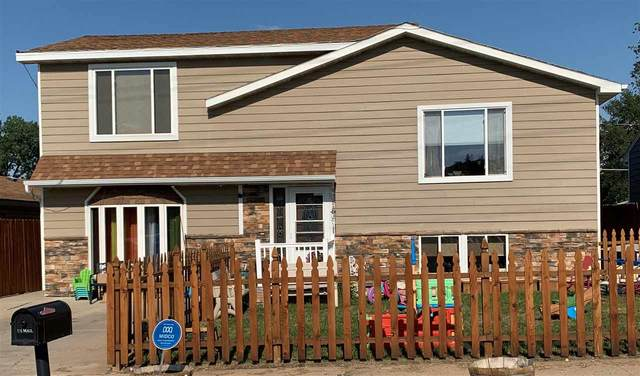 605 SE 13th St, Minot, ND 58701 (MLS #211451) :: Signal Realty