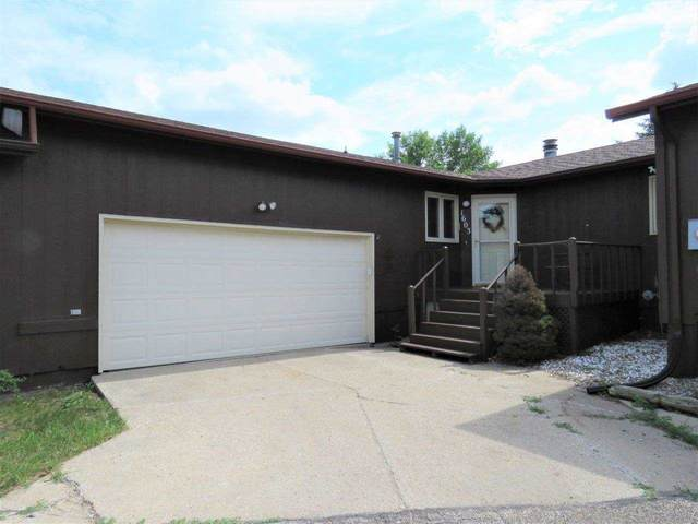 1603 16th St NW, Minot, ND 58703 (MLS #211547) :: Signal Realty