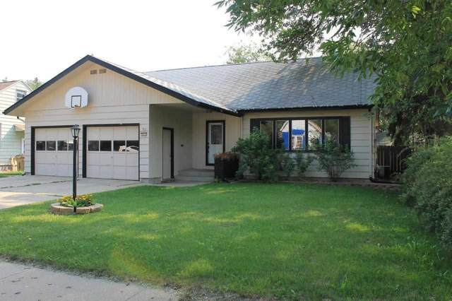 912 10th St NW, Minot, ND 58703 (MLS #211560) :: Signal Realty