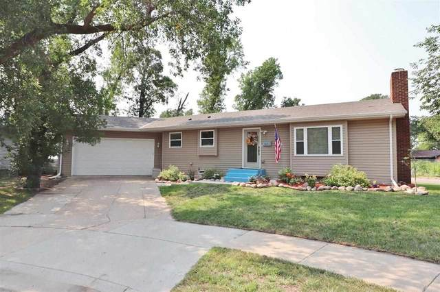 1071 W Central Ave, Minot, ND 58701 (MLS #211587) :: Signal Realty
