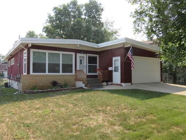 216 NW 21st St, Minot, ND 58703 (MLS #211596) :: Signal Realty