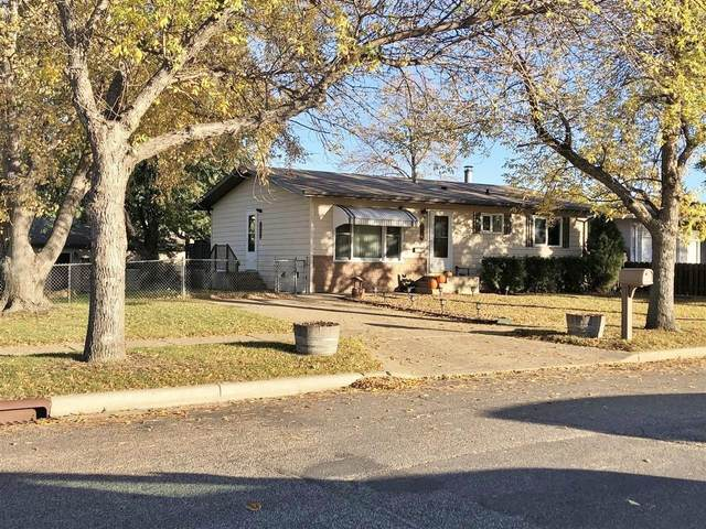 2048 9th St. NW, Minot, ND 58703 (MLS #212112) :: Signal Realty