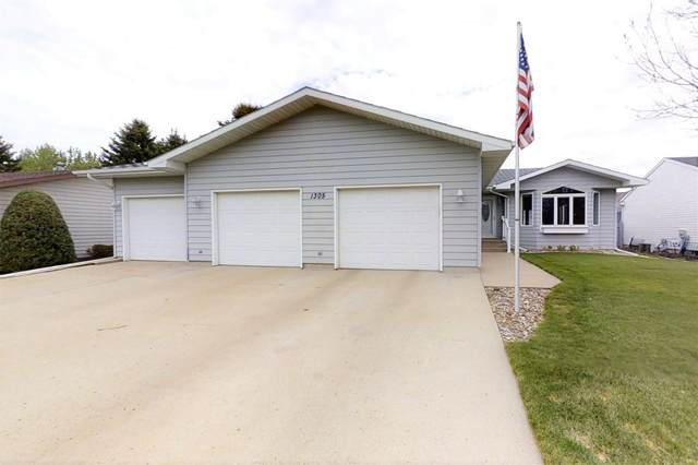 1305 17th Avenue SW, Minot, ND 58701 (MLS #211082) :: Signal Realty