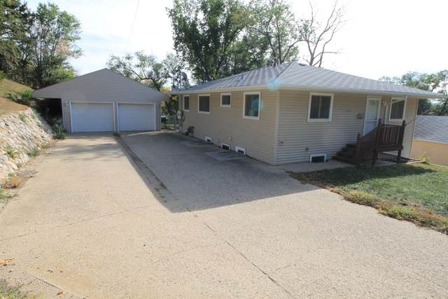 1124 9th St NW, Minot, ND 58703 (MLS #212028) :: Signal Realty