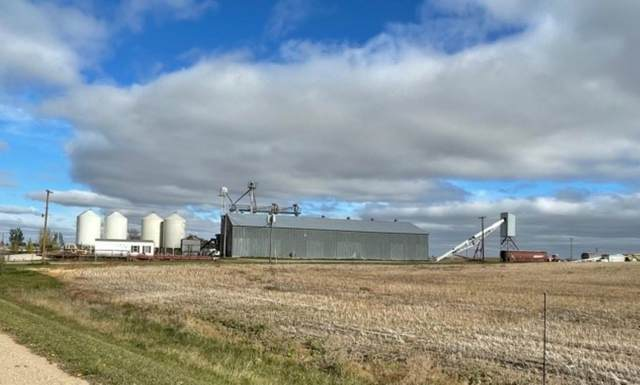 5118 13TH AVE NW, Other, ND 58741 (MLS #212041) :: Signal Realty