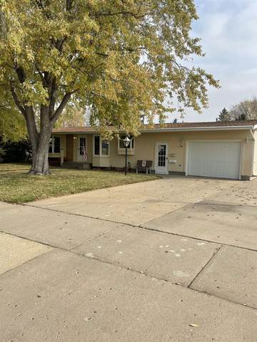 1837 6th St SW, Minot, ND 58701 (MLS #212064) :: Signal Realty