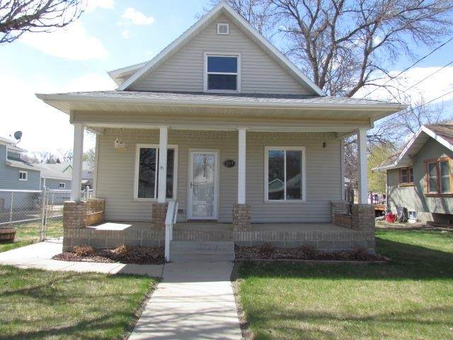 209 NW 6th St, Minot, ND 58703 (MLS #210895) :: Signal Realty
