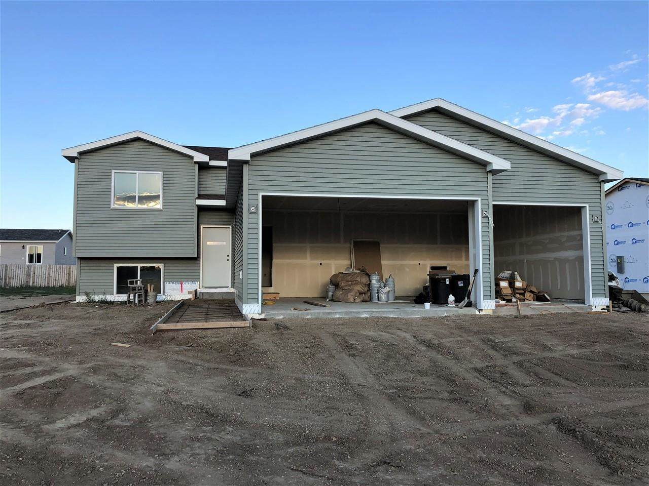 325 6th Ave - Photo 1