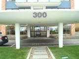 300 Lynn Shore Dr - Photo 2