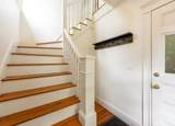 137 Westminster Ave - Photo 3