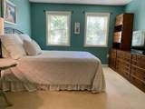 2304 Hockley Dr - Photo 3