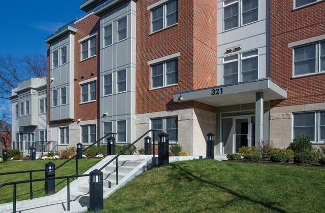 321 Hammond Pond Pkwy #304, Brookline, MA 02467 (MLS #72192384) :: Vanguard Realty