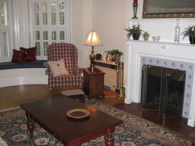 41 Carlton St #3, Brookline, MA 02446 (MLS #72231037) :: Goodrich Residential