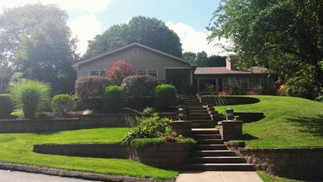 135 Mountain View Dr, Holyoke, MA 01040 (MLS #72314923) :: Apple Country Team of Keller Williams Realty