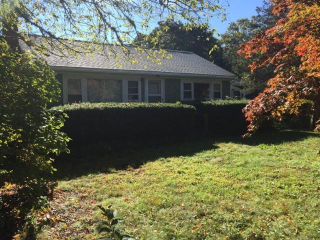 10 Elliott Ave, Oak Bluffs, MA 02557 (MLS #72316498) :: Goodrich Residential