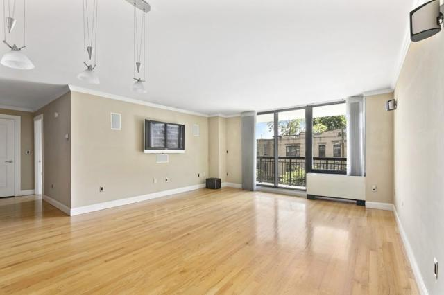 60 Longwood Avenue #301, Brookline, MA 02446 (MLS #72341081) :: Driggin Realty Group