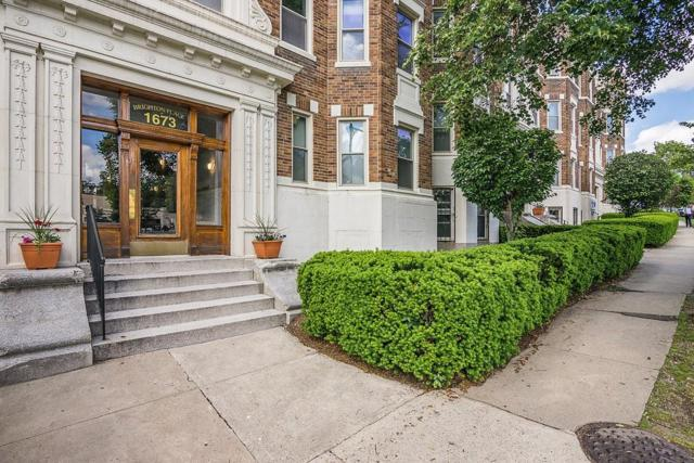 1673 Commonwealth Ave #3, Boston, MA 02135 (MLS #72345354) :: Hergenrother Realty Group