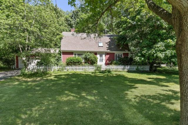 52 Union St, Hingham, MA 02043 (MLS #72350460) :: The Muncey Group