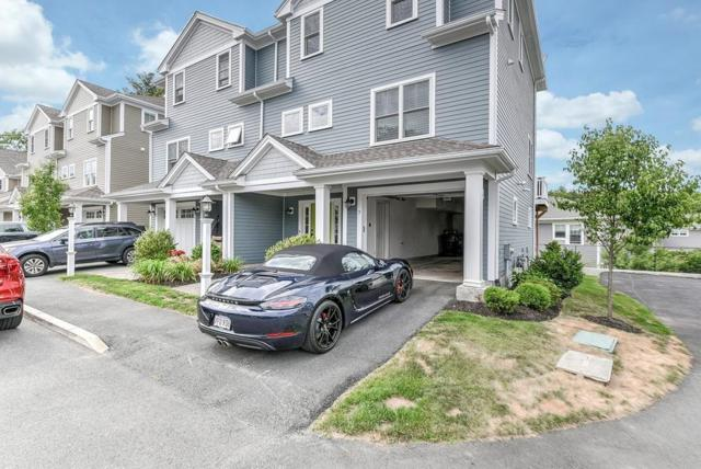 900 Greendale Ave #7, Needham, MA 02492 (MLS #72358665) :: The Gillach Group