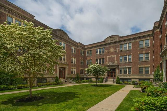 10-12 Greenway Court, Brookline, MA 02446 (MLS #72358948) :: Goodrich Residential