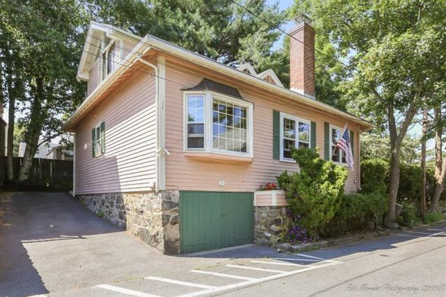 19 Stacey Street, Marblehead, MA 01945 (MLS #72359528) :: Apple Country Team of Keller Williams Realty