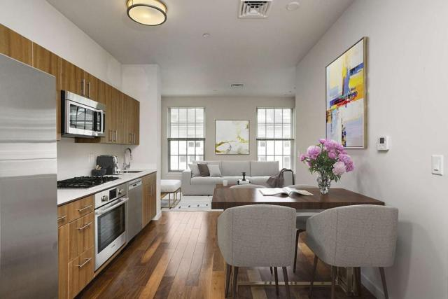 45 First Ave #402, Boston, MA 02129 (MLS #72365049) :: Commonwealth Standard Realty Co.
