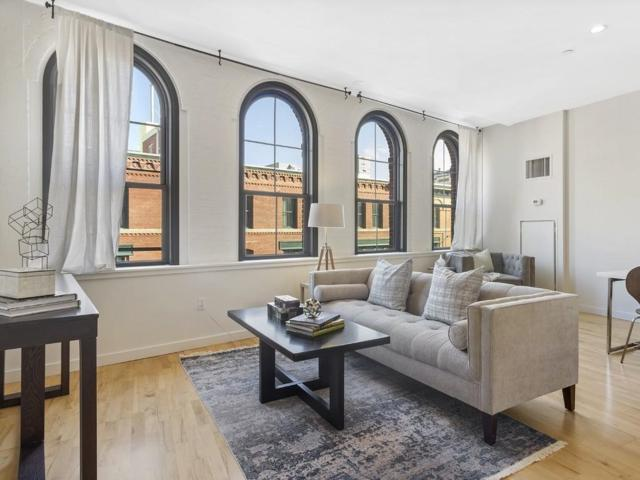 346-354 Congress St #518, Boston, MA 02210 (MLS #72380457) :: Charlesgate Realty Group