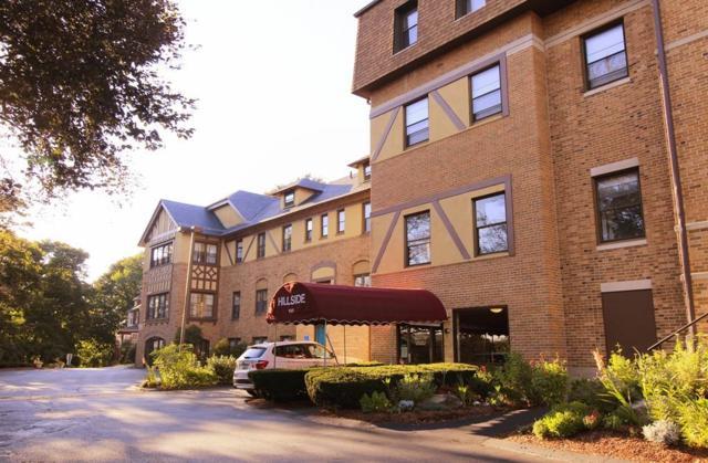 1029 Pleasant St #13, Worcester, MA 01602 (MLS #72391996) :: Compass Massachusetts LLC