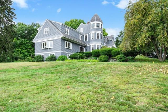 1 Combs Way, Chelmsford, MA 01824 (MLS #72402217) :: Apple Country Team of Keller Williams Realty