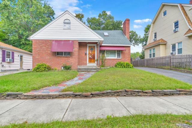 37 Appleton St, Springfield, MA 01108 (MLS #72403251) :: Welchman Real Estate Group | Keller Williams Luxury International Division